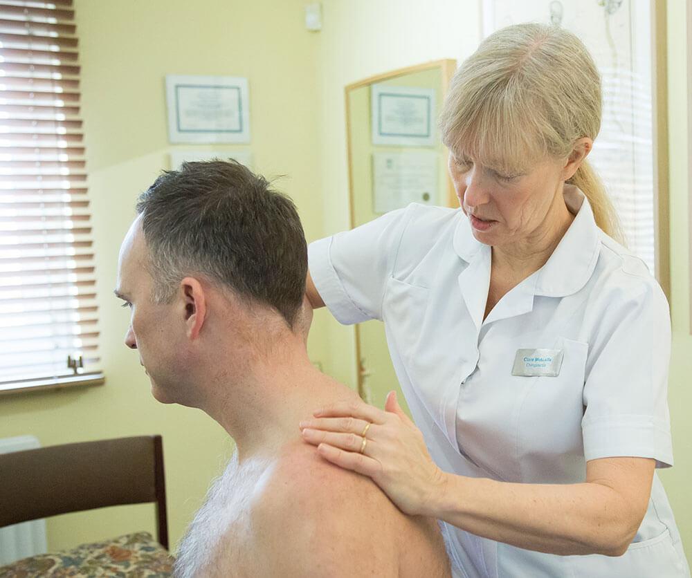 beckenham-&-bromley-chiropracter-at-work-(3)