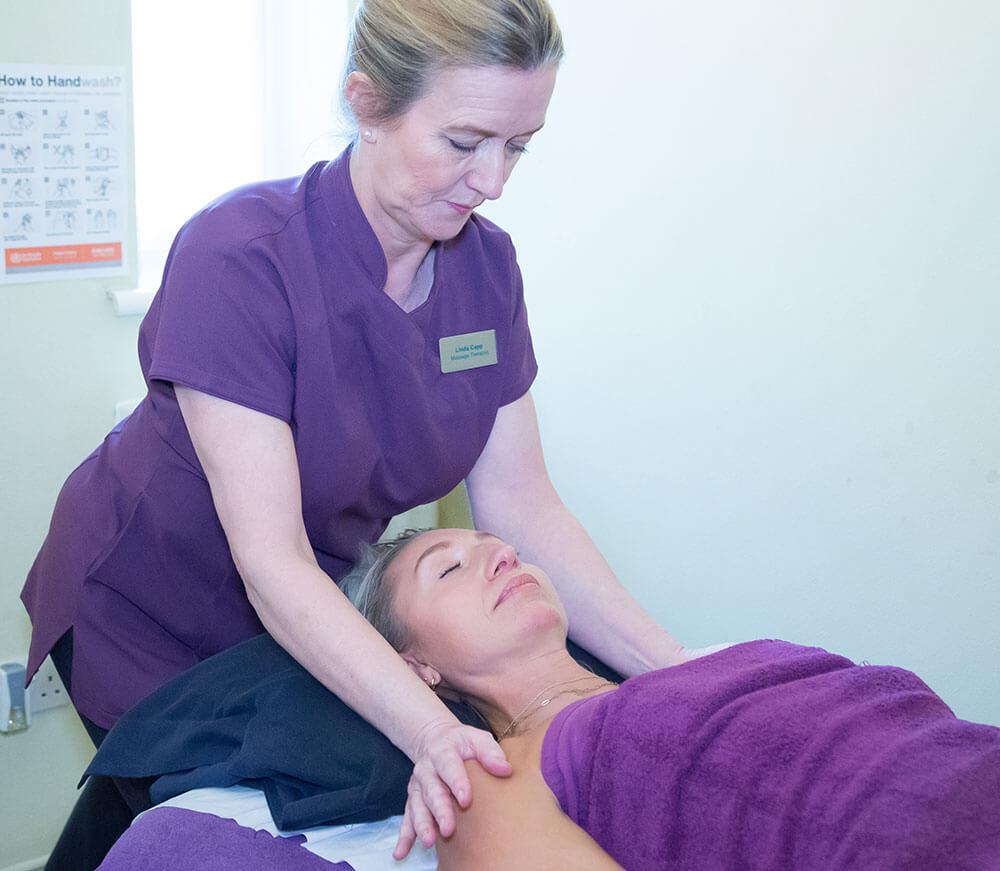 massage-treatment-at-beckenham-&-bromley-chiropractic-(3)